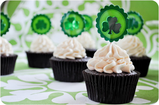 Irish Beer & Whiskey Cupcakes | www.lemon-sugar.com