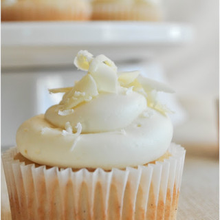 White+Chocolate+Vanilla+Bean+Cupcakes-0069