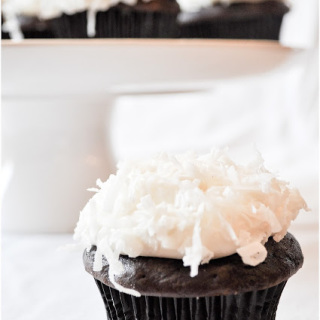 Chocolate+Coconut+Cupcakes-0286