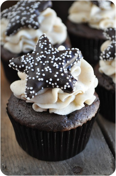 Mexican Hot Chocolate Cupcakes | www.lemon-sugar.com