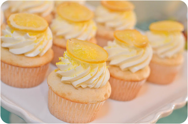 Lemon Sunshine Cupcakes | www.lemon-sugar.com