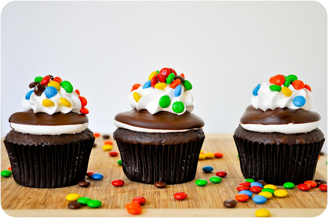 M&M Dipped Cupcakes | www.lemon-sugar.com