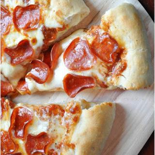 Stuffed+Crust+Pizza-0432