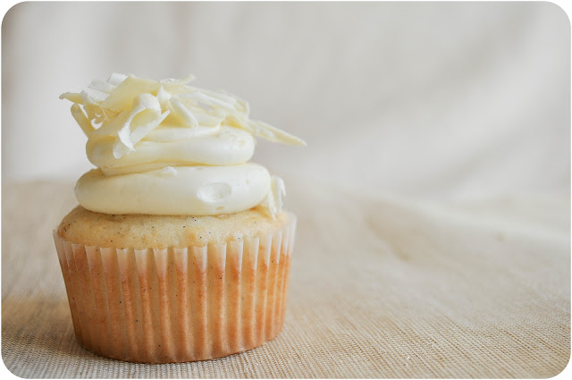 White Chocolate Vanilla Bean Cupcakes | www.lemon-sugar.com