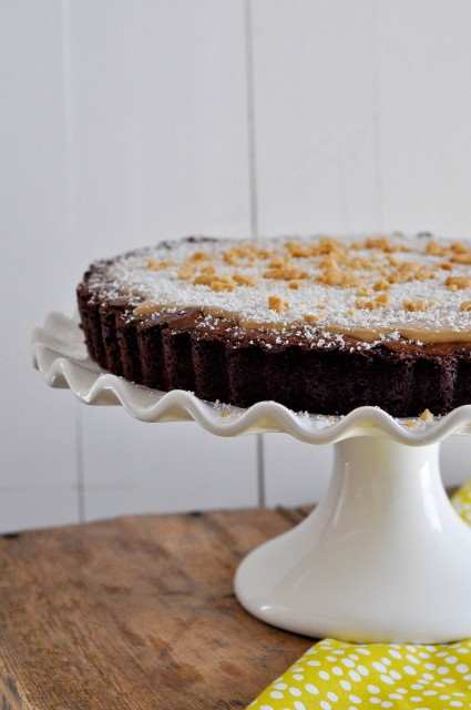 Brownie Tart with White Chocolate Biscoff Ganache-1