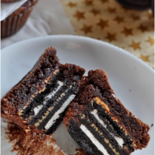 Peanut Butter & Oreo Stuffed Brownie Cupcakes