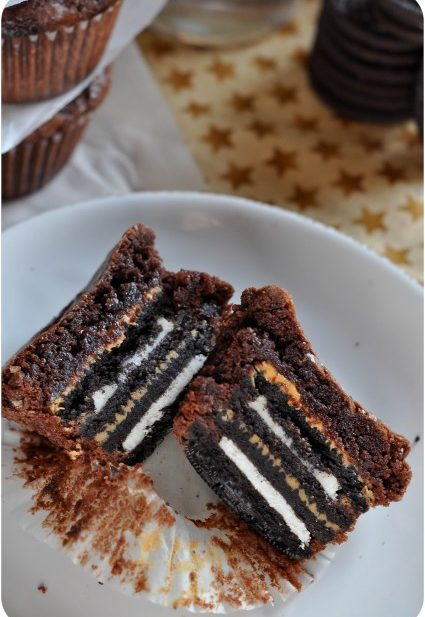 Peanut Butter & Oreo Stuffed Brownies-1-4