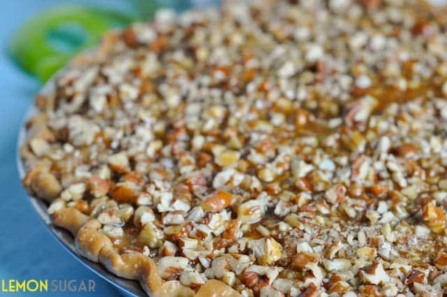 Caramel Pecan Apple Pie-0086
