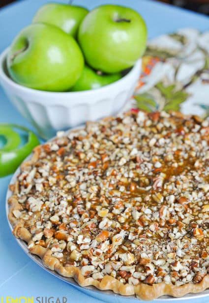 Caramel Pecan Apple Pie-0090