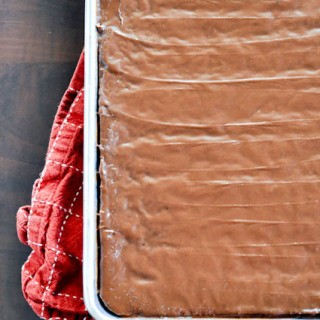 Chocolate Sheet Cake-0016