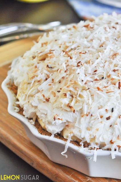 Vanilla Coconut Banana Cream Pie | www.lemon-sugar.com