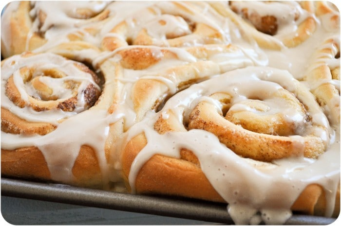 One Hour Cinnamon Rolls | www.lemon-sugar.com