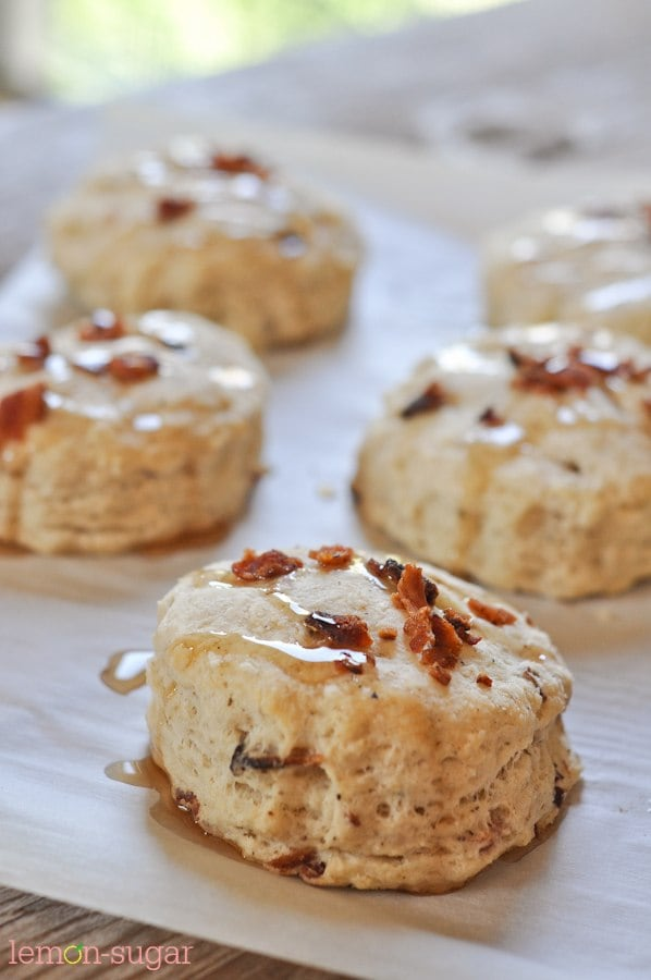 Maple Bacon Biscuits | www.lemon-sugar.com