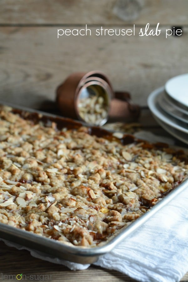 Peach Streusel Slab Pie | lemon-sugar.com
