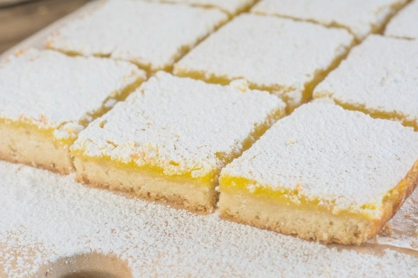 Easy Lemon Bars | lemon-sugar.com